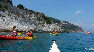 Kayakken in Ligurië – begeleide tocht rond het eiland van Bergeggi