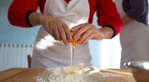 De beroemde ravioli van Merana maken
