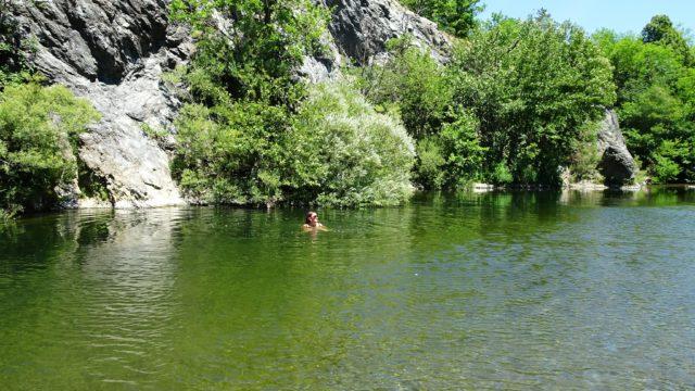 Swimming in the Lago dei Gulli (Sassello)