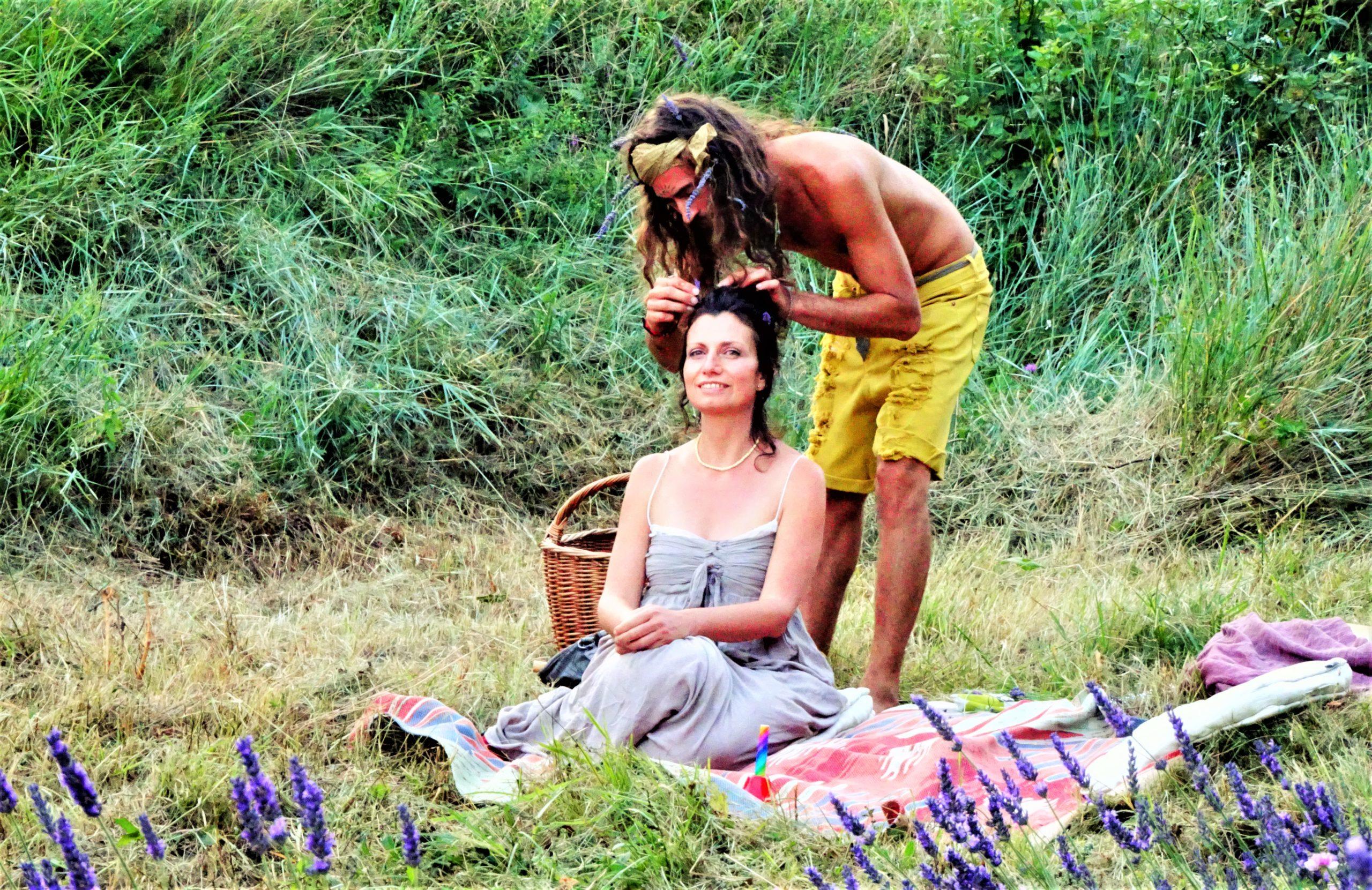 picnic lavender field italy